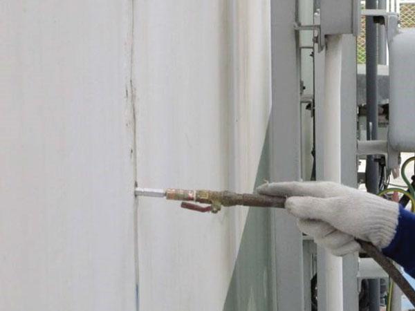 PU injection (ซ่อมรอยรั่วกำแพง)